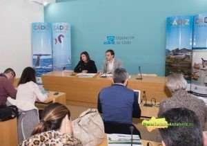 María Dolores Varo y Daniel Moreno, durante la presentación en la Diputación de Cádiz. FOTO: ROCÍO HERNÁNDEZ.