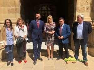 Fernández, que presentó un convenio de colaboración para esta sede, destaca la contribución de la provincia de Jaén a la desestacionalización.