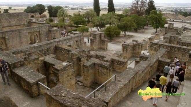 El comité de Patrimonio Mundial de la Unesco incluyó en la lista de lugares culturales protegidos a la ciudad califal de Medina Azahara, en un debate en el que no hubo objeciones y en el que varios países como Noruega, Brasil y Francia felicitaron a España por el expediente presentado.