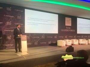 El consejero subraya la importancia de la planificación para favorecer un crecimiento sostenible y estructural del turismo.