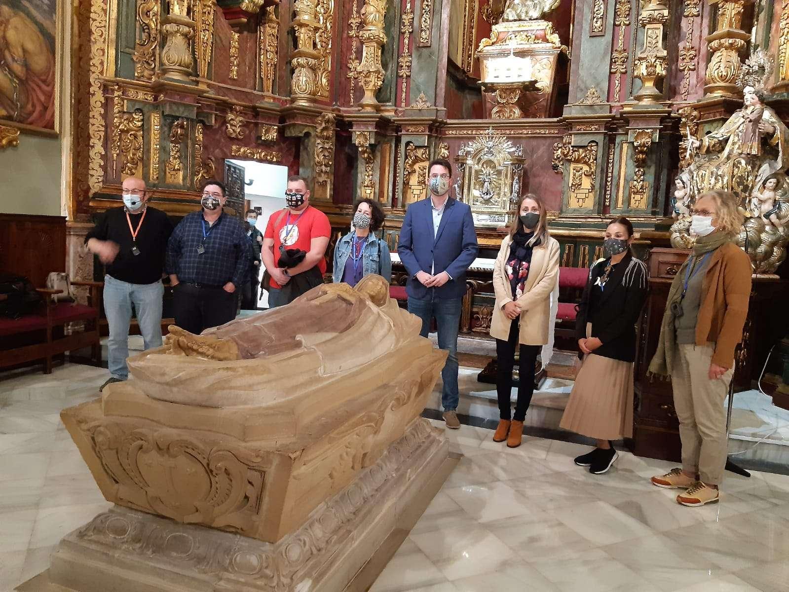El diputado de Promoción y Turismo, Francisco Javier Lozano, ha recibido junto a la concejala de Cultura de Úbeda, Elena Rodríguez, a los profesionales turísticos.