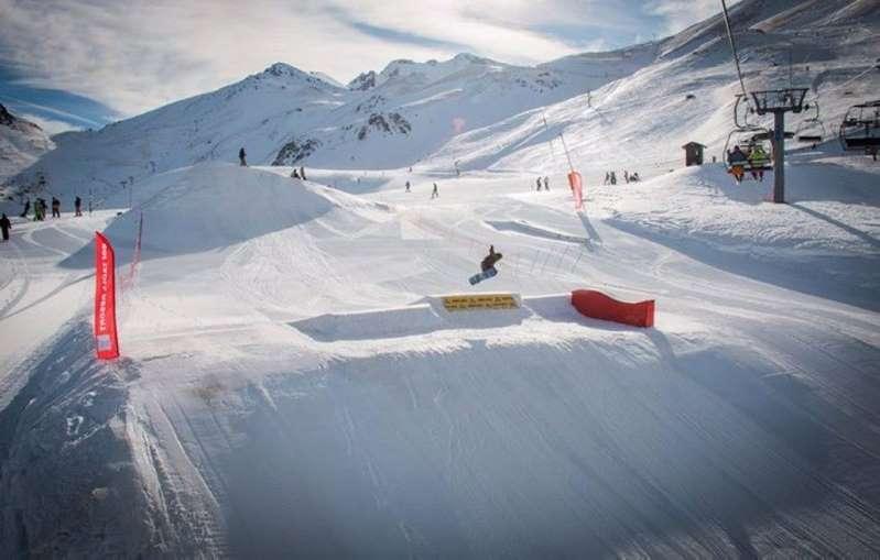 Elegido en los premios World Ski mediante votación popular entre aficionados del esquí y profesionales de la nieve.