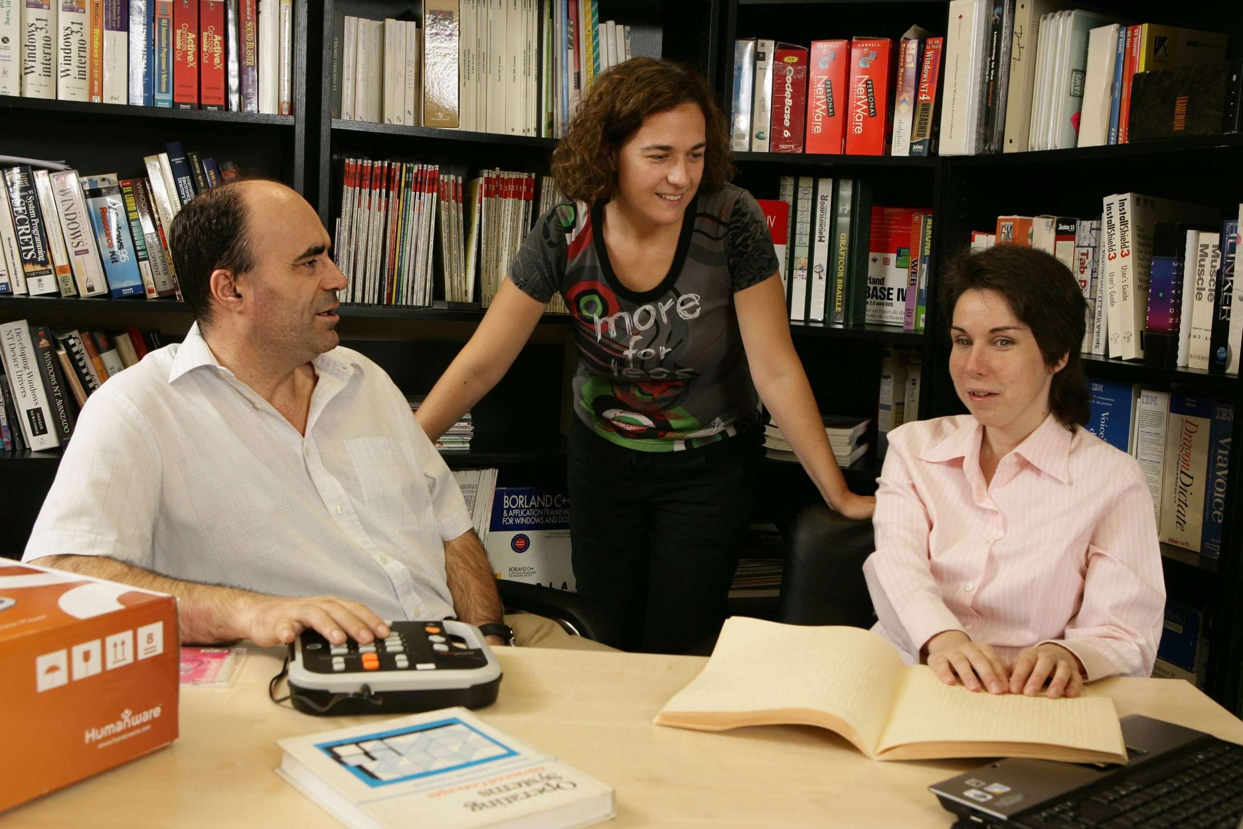 España pone a disposición de todos los ciegos del mundo un fondo documental en braille