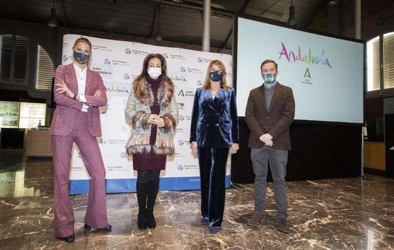 La moda flamenca andaluza, sector muy castigado por la pandemia, es protagonista en la cinta siendo el especial hilo conductor de los distintos puntos turísticos